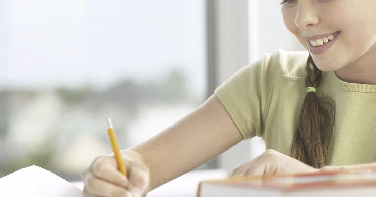 Elementos para escribir un ensayo . Los ensayos pueden ser escritos en muchas formas diferentes, pero la forma tradicional de cinco párrafos tiene los elementos que trascienden la escritura de los ensayos. El planeamiento adecuado y organización son necesarios cuando se escribe un ensayo, particularmente cuando se desarrolla una tesis, la cual determina el punto central y tono del ...