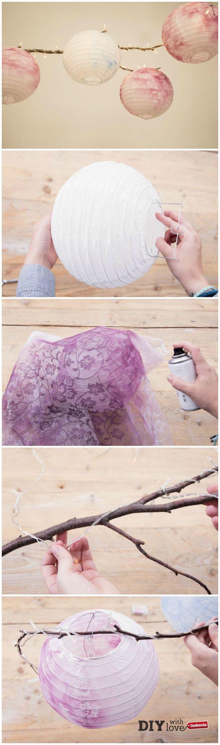 Trasformare i lampadari di carta usando il pizzo: scopri come fare con il nostro tutorial - http://it.dawanda.com/tutorial-fai-da-te/idee-creative/come-decorare-lampadario-carta-pizzo-vernice-spray