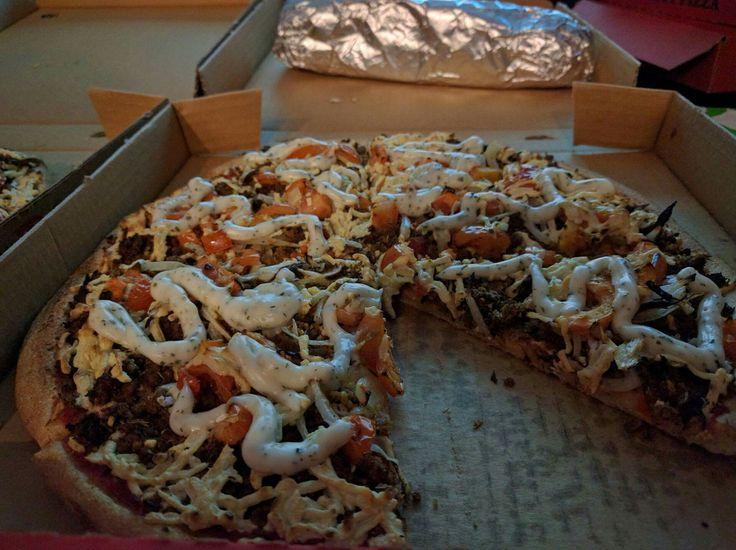 Vegan Yiros pizza - La Pazzo Pizzeria