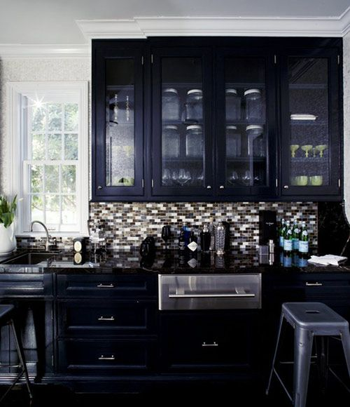Robin standefer of roman and williams interior designer for Black gloss kitchen ideas