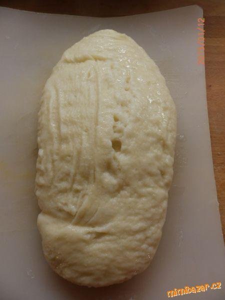 Kynutý knedlík-těsto z domácí pekárny-megavelký :-)