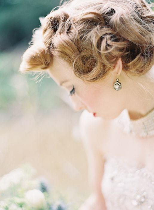 vintage bridal beauty by facebook.com/evysbeautyparlour // accessories from alannahhill.com.au // photo by LeahKua.com