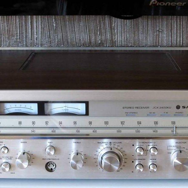 Good Morning !!! . Sanyo JCX-2400K AM/FM Stereo Receiver (1978) . Power output: 55 watts per channel into 8Ω (stereo) . . #VintageAudio #Audio #Vintage #turntable #phono #vinyl #records #music #hifi #hifiaudio #highend #highfidelity #highendaudio #stereo #stereophile #vinylcollectionpost #recordplayer #audiophile #music #vinyljunkie #cassettes #technics #Marantz #stereo #Pioneer #NowSpinning #vinylcollection #speaker #vintagehifi #receiver #vintageturntable #33rpm