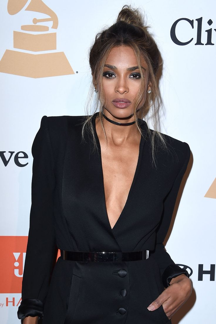 Black dress hairstyle - How Ciara Gives The Red Carpet Updo A Romantic Makeunder