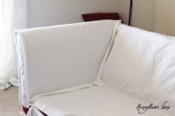How to make a slipcover. Excellent tutorial with more tutorials for zippered cushions, piping, the skirt, etc. Very clear explanations.