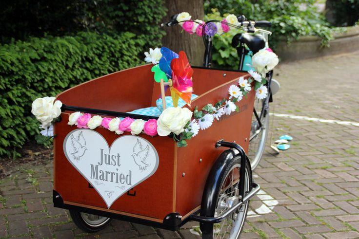 Goedkoop trouwen: de fiets als vervoersmiddel, bike, wedding, bride