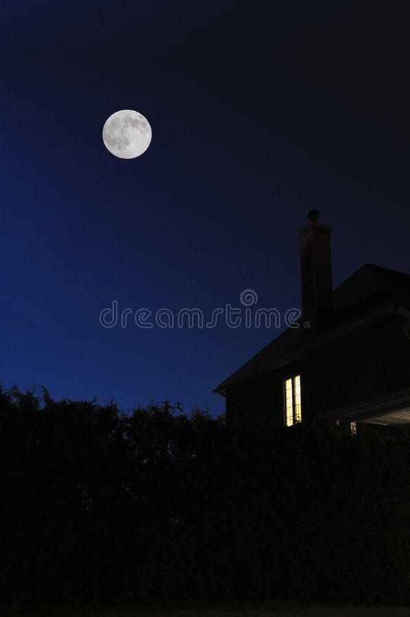 Full Moon Modern House At Night With A Full Moon Affiliate Modern Moon Full Full Night Ad Landscaping Images Stock Photography Free Full Moon