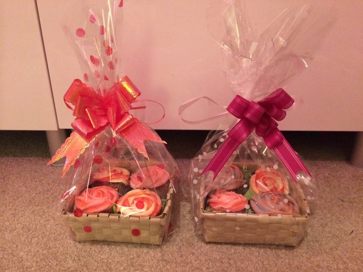Baskets of cupcakes