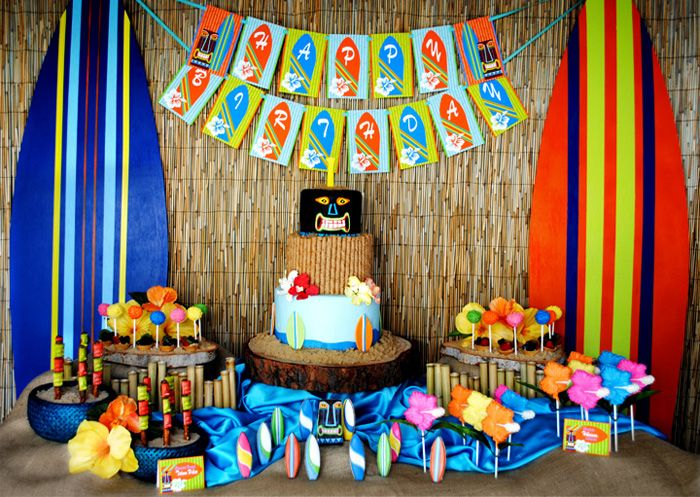 Beach Birthday Party! Love the cake.