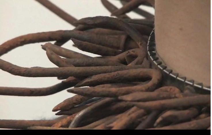 Alexandra chaney tetanofobia - colar- (jewelry with nails)