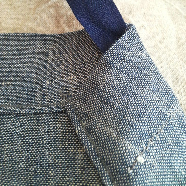 All seams of my #aprons  are double stitched for a longlasting use! #menstyle #dappergent #baristas