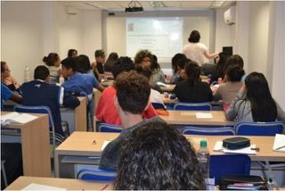 Fundada no ano de 2013, a Escola Antonietta e Leon Feffer, Alef Unidade Paraisópolis, que inicialmente tinha apenas 30 alunos, oferece hoje a 90 jovens da comunidade, um ensino com a mesma qualidade, e com o mesmo corpo docente de sua unidade educacional destinada a jovens da comunidade judaica, dentro do Clube Hebraica, no Jardim…