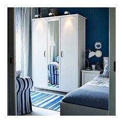 IKEA - BRUSALI, Kleiderschrank 3-türig, , Eine Spiegeltür spart Platz, da nicht unbedingt ein zusätzlicher Wandspiegel benötigt wird.Versetzbare Böden für bedarfsangepasste Aufbewahrung.Für optimale Nutzung mit SKUBB Behältern ergänzen – für Ordnung in Schränken und Schubladen.Verstellbare Scharniere stellen sicher, dass die Türen gerade hängen.