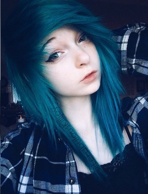 (fc: Lefabulouskilljoy) Hi I'm Samantha, but I go by Sammi. I'm 17 and I'm really shy. My parents arent really the nicest and I dont really have any friends. Introduce?