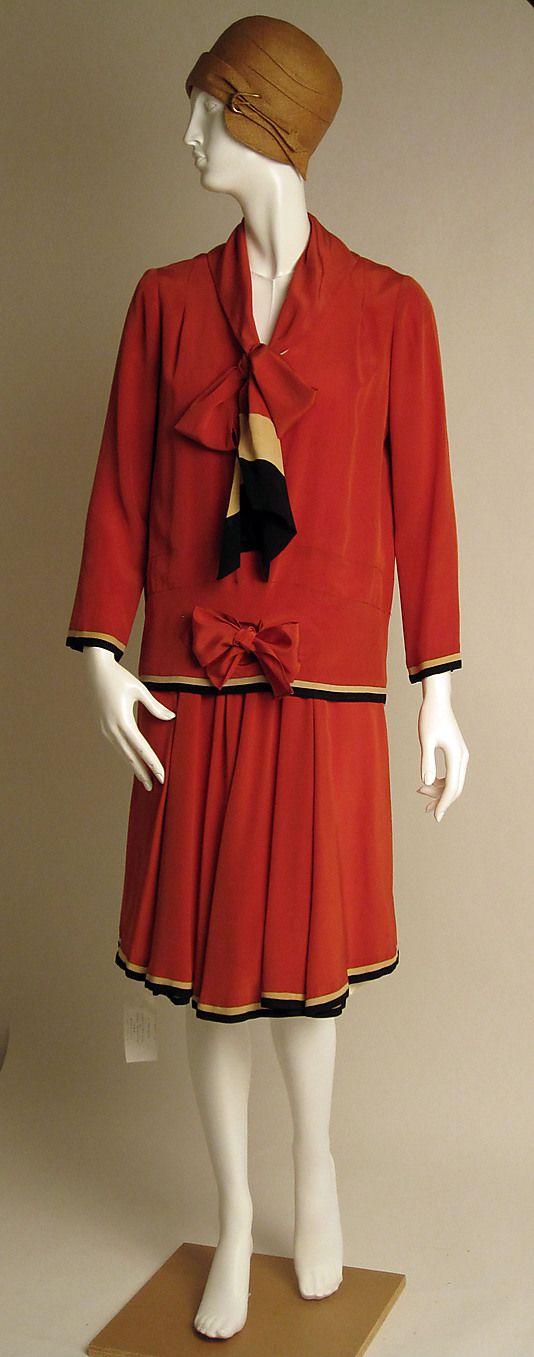 Dress   Nellie Harrington   American   1928   silk   Metropolitan Museum of Art   Accession Number: C.I.56.33.13a, b