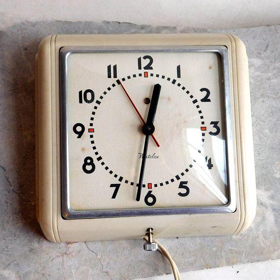 Vintage Westclox 1940s Electric Wall Clock Dunbar Art Deco Wall Clock Clock Metal Frame