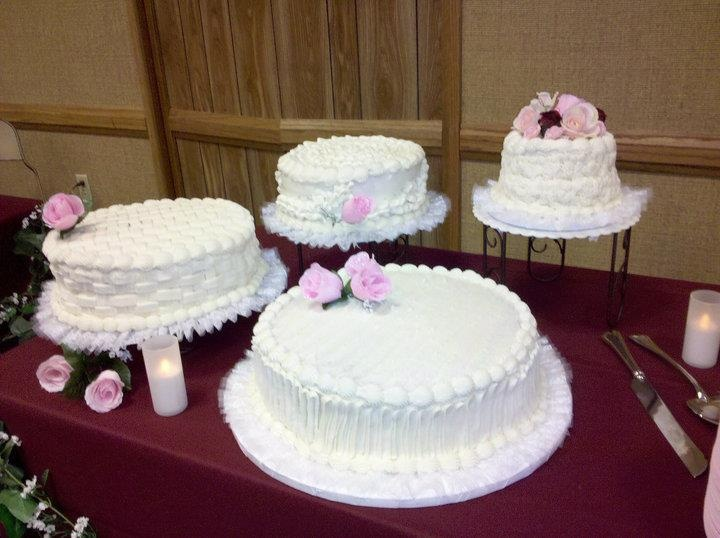 pictures of satellite wedding cakes satellite cakes with pink roses catering photos 18431
