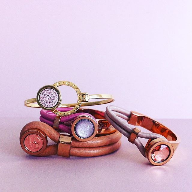 It's Monday, don't Forget to be Fabulous #MiMoneda #armcandy #armparty #bracelet #bracelets #interchangeable #jewelry #jewellery #monday #fabulous #jotd #ootd #fashion #leather #moneda #coin