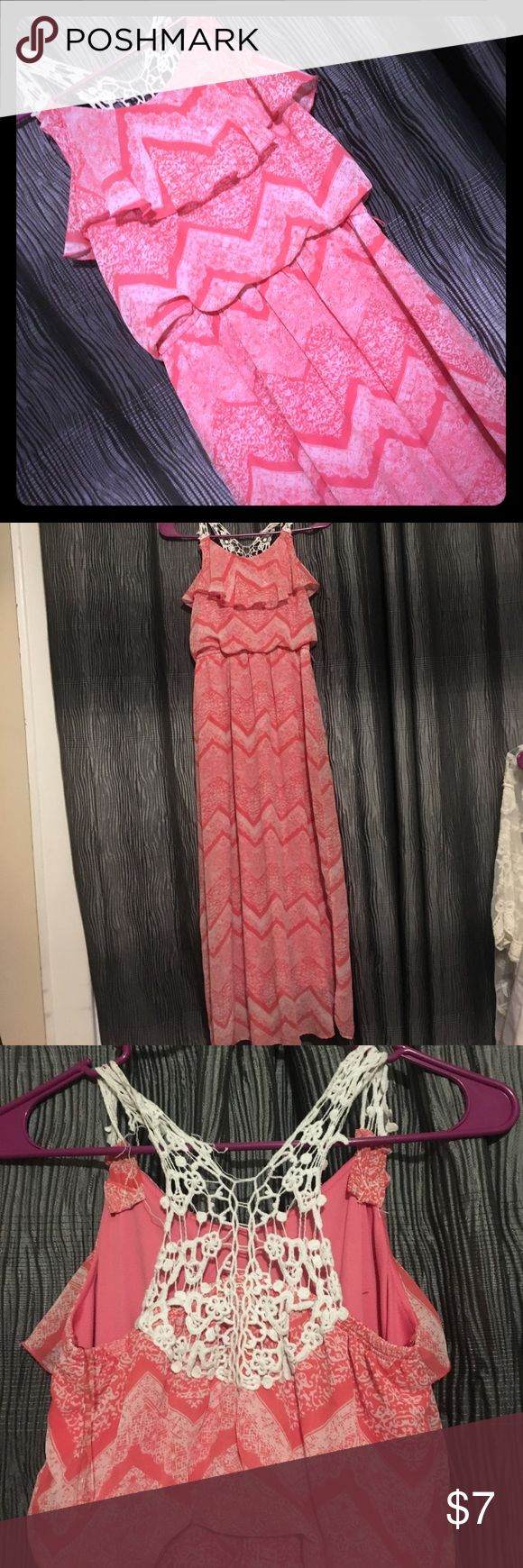 3 for 15 ! Coral maxi dress!!! Great condition! The only problem with it is in the back at the vet top the lace has torn a bit which you can see in the picture, it's not noticeable but it's still there Speechless Dresses Casual