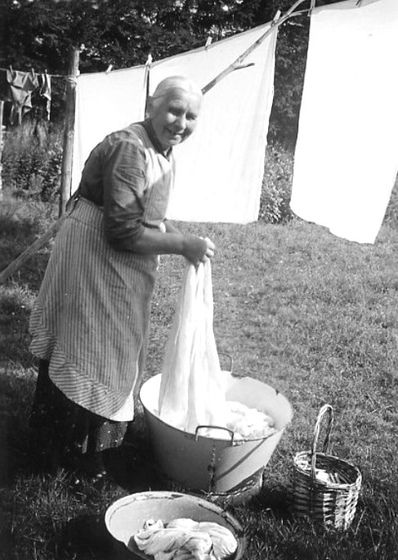 I saw this picture and was filled with warm memories of my grandma. She had a wringer washer, I remember helping by handing her the pins for hanging.