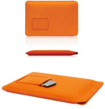 Another wool felt laptop sleeve to die for...  Made in Germany.