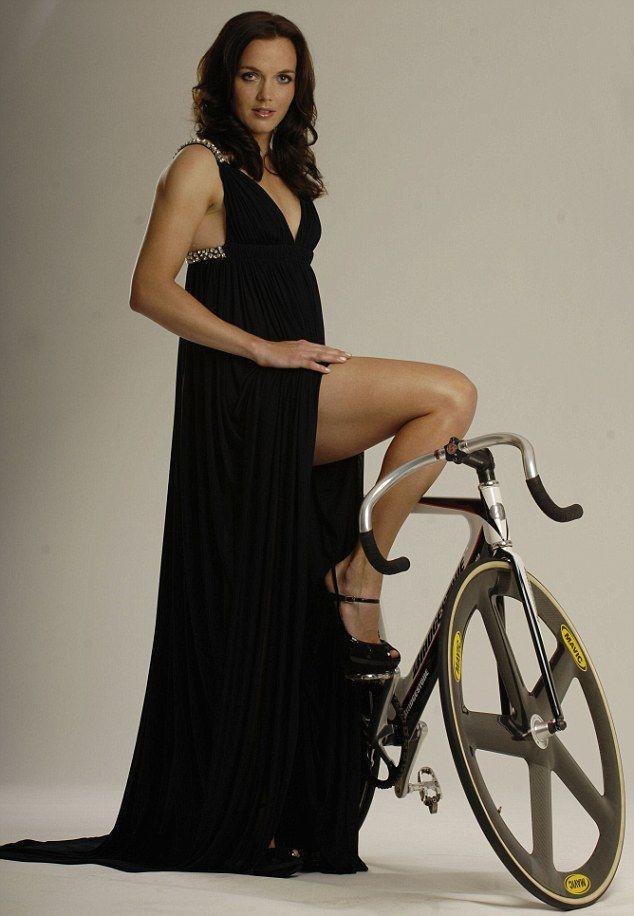 http://2.bp.blogspot.com/-y1RH3FzD5eg/UA5fl-419HI/AAAAAAAABno/dhQ6GzSYkno/s1600/victoria+pendleton+bike.jpg