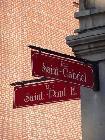 Visit Montreal and walk in the old port  visitez Montreal et promenez-vous dans le vieux port