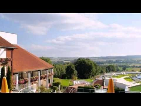 Quellness- und Golfhotel Fürstenhof - Bad Griesbach - Visit http://germanhotelstv.com/furstenhof-bad-griesbach This 4-star Superior hotel offers 6 restaurants and a large spa with pool. It stands beside Bad Griesbachs thermal baths and golf course and offers views of the Rottal Valley. -http://youtu.be/zzVw46nzSVY