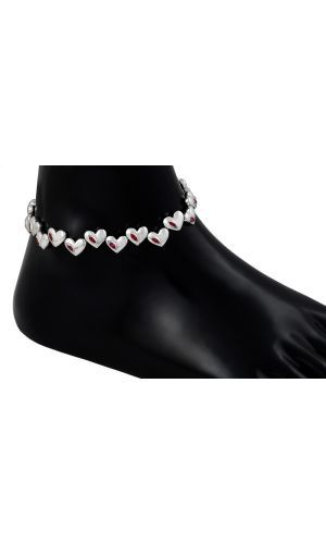Wear your heart in your ankle with this very new and elegant design by Kuhjohl.