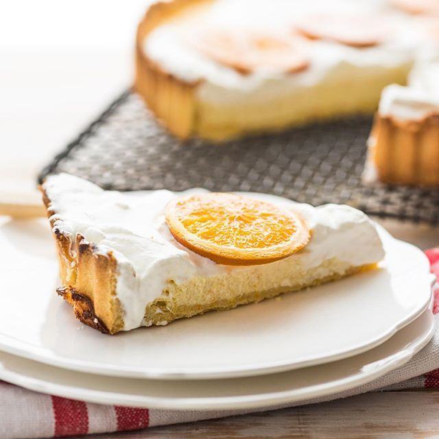 Meet your new favourite cheesecake! Clean and creamy below, with a delicious citrus zing on top. Like if you want to try it!