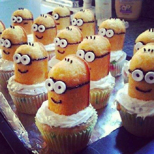 MINIONS!! OMG! I LOVE THEM!!