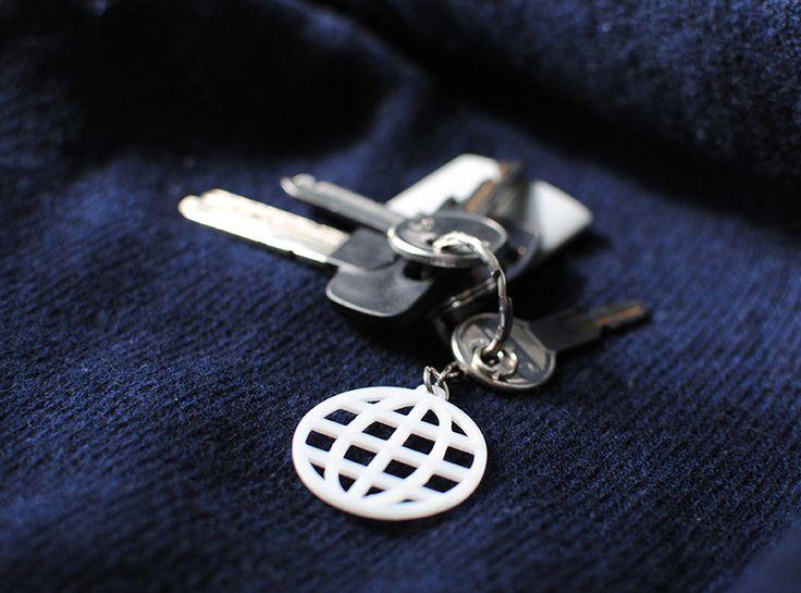 Globe keychain - a 3D model by VECTARY | VECTARY
