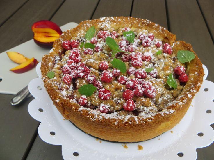 Matildas Kafferep: Hallon- och persikopaj med vaniljkräm och chokladsmuldeg
