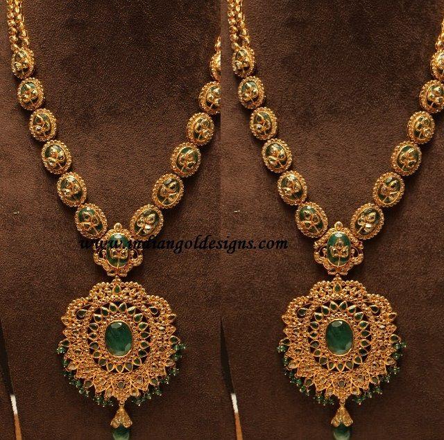 http://rubies.work/0978-ruby-pin-brooch/ uncut diamond emerald necklace set