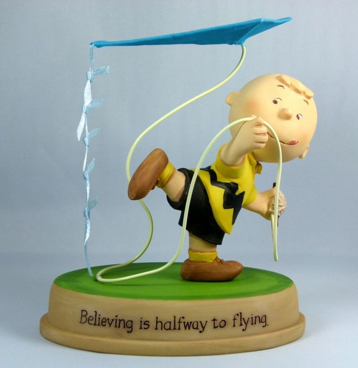 Charlie Brown Flies Kite figurine.