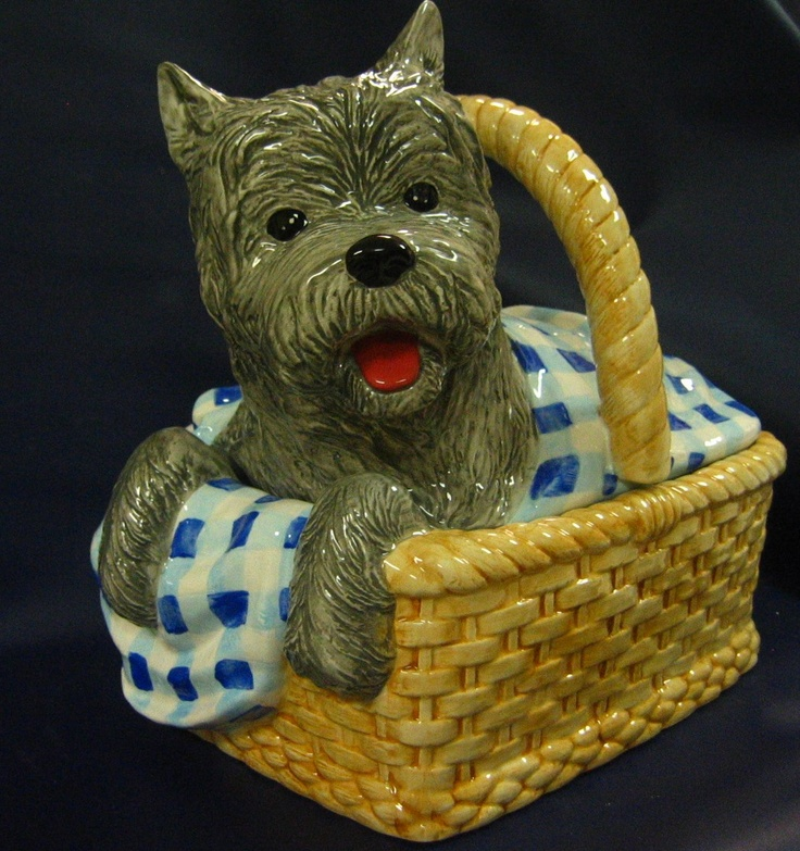 Wizard of Oz  Toto Cookie Jar.  This is so darn cute, I wish I had it.  Gosh the whole set