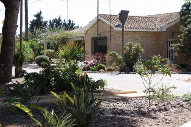 Agricultura suscribe convenios con empresas para que los alumnos del Cifea de Torre Pacheco realicen prácticas