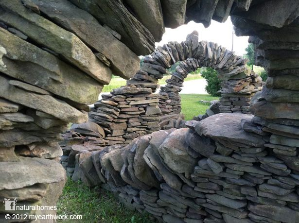What a cool structure of stone. Who knew you could do this type of thing with slabs of rock! by Thea Alvin, a Stone Mason in touch with Nature
