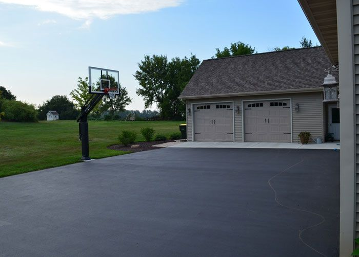 Get tremendous #construction working and best #asphalt #driveway #contractors #NY. http://www.grconstructionusa.com/asphalt-driveway/  #AsphaltDriveway