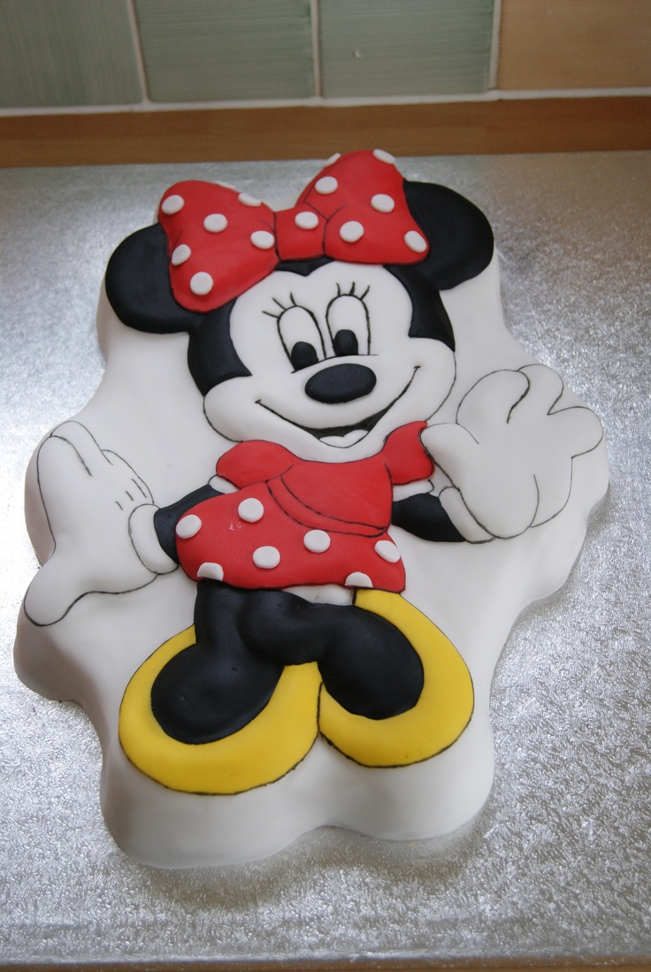 Minnie Mouse 3D Cake (also available in pink!)