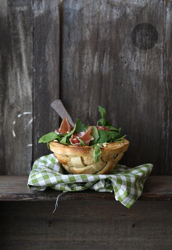 ensalada de rucula en cesta http://www.larecetadelafelicidad.com/2012/09/ensalada-jamon-rucula-cesta-2.html#