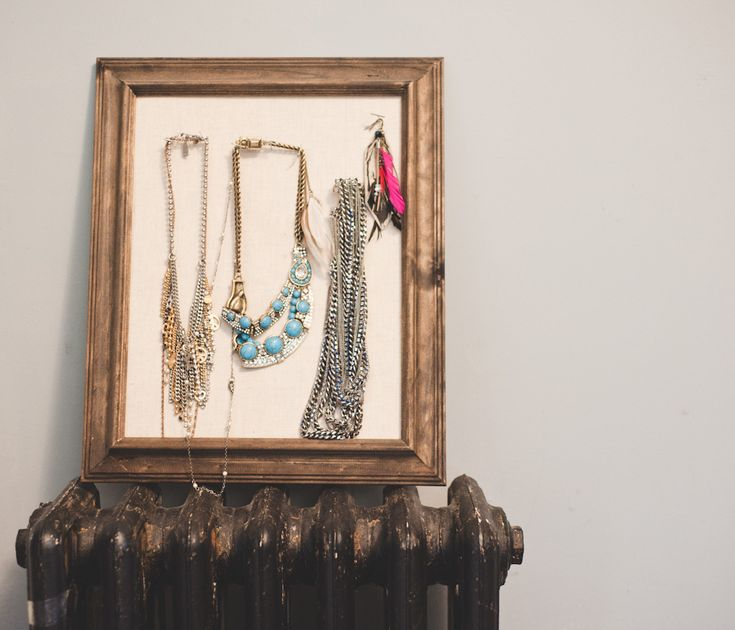 What a great idea to make a necklace wall a little prettier.: Organisation Inspiration, Jewelry Display, Doityourself Inspiration, Display Ideas, Craft Ideas, Jewelry Frames, Necklace Wall, Necklace Display