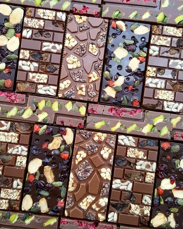 Happy Chocolate tablets Dark Milk chocolate with nuts and cereals #chocolate #tablet #martindiez