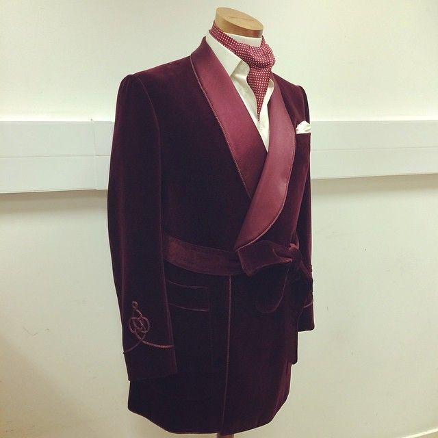 #inspired by @hughhefner #maroon#velvet#housecoat#bespoke#tailored#custom#savilerow#jermynstreet#cravat#ascot#jacket#coat#dandy#dapper#lux#luxury#mvp#gq#elegant#moda#sprezzatura#sartorial#pocketsquare#trill#belt#cigar#artisan#scabal