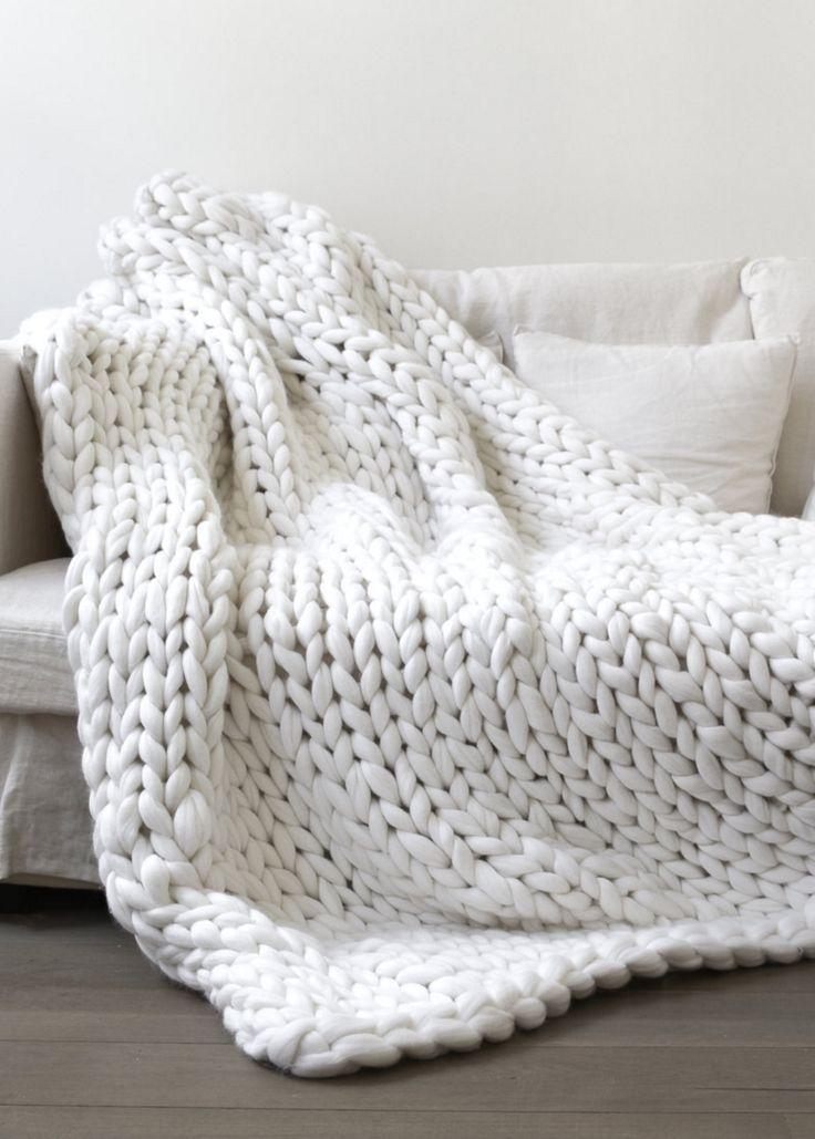 die besten 25 grobstrick berwurfdecke ideen auf pinterest gro e strickdecke von hand. Black Bedroom Furniture Sets. Home Design Ideas
