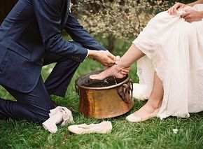 Scottish Wedding Traditions   Fly Away Bride Brian has to wash my sandy feet after we get married on the beach
