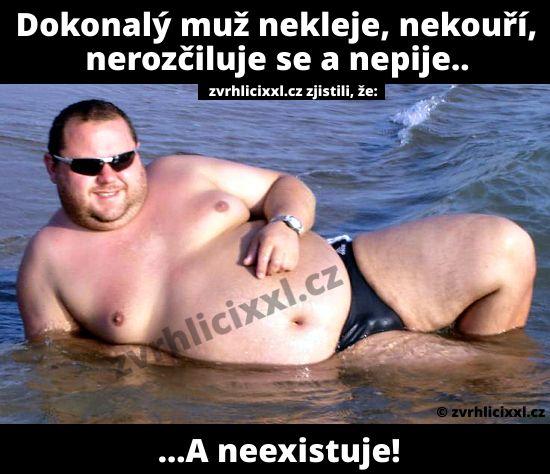 Dokonalý muž nekleje, nekouří, nerozčiluje se a nepije… – Zvrhlíci XXL – Bez cenzury