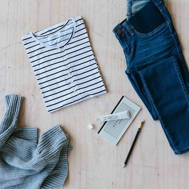 Hello Friday! I hope my weekend looks exactly like this - denim, stripes & chunky knits! Shop the Isla Jeggings, Hudson Stripe Tee, and Everyday Cardi online now