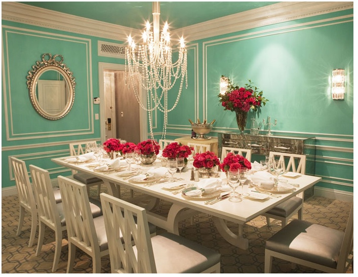 Tiffany themed dining room!: Dining Rooms, Wall Colors, Blue Wall, Tiffany Room, Tiffany Blue, Dinning Room, Dinner Parties, Breakfast At Tiffany, White Furniture