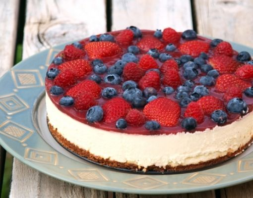 Uncooked Forest Fruit Cheesecake  #tuzubiberi  #cheesecake #red